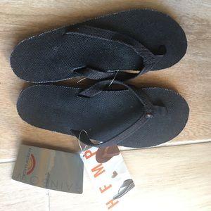 NWT Black Rainbow Hemp sandals. Women's medium.